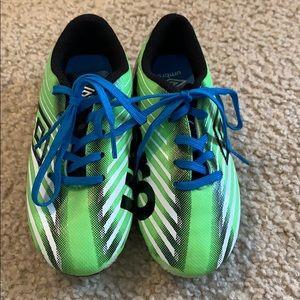 Umbro little kid Soccer Shoes